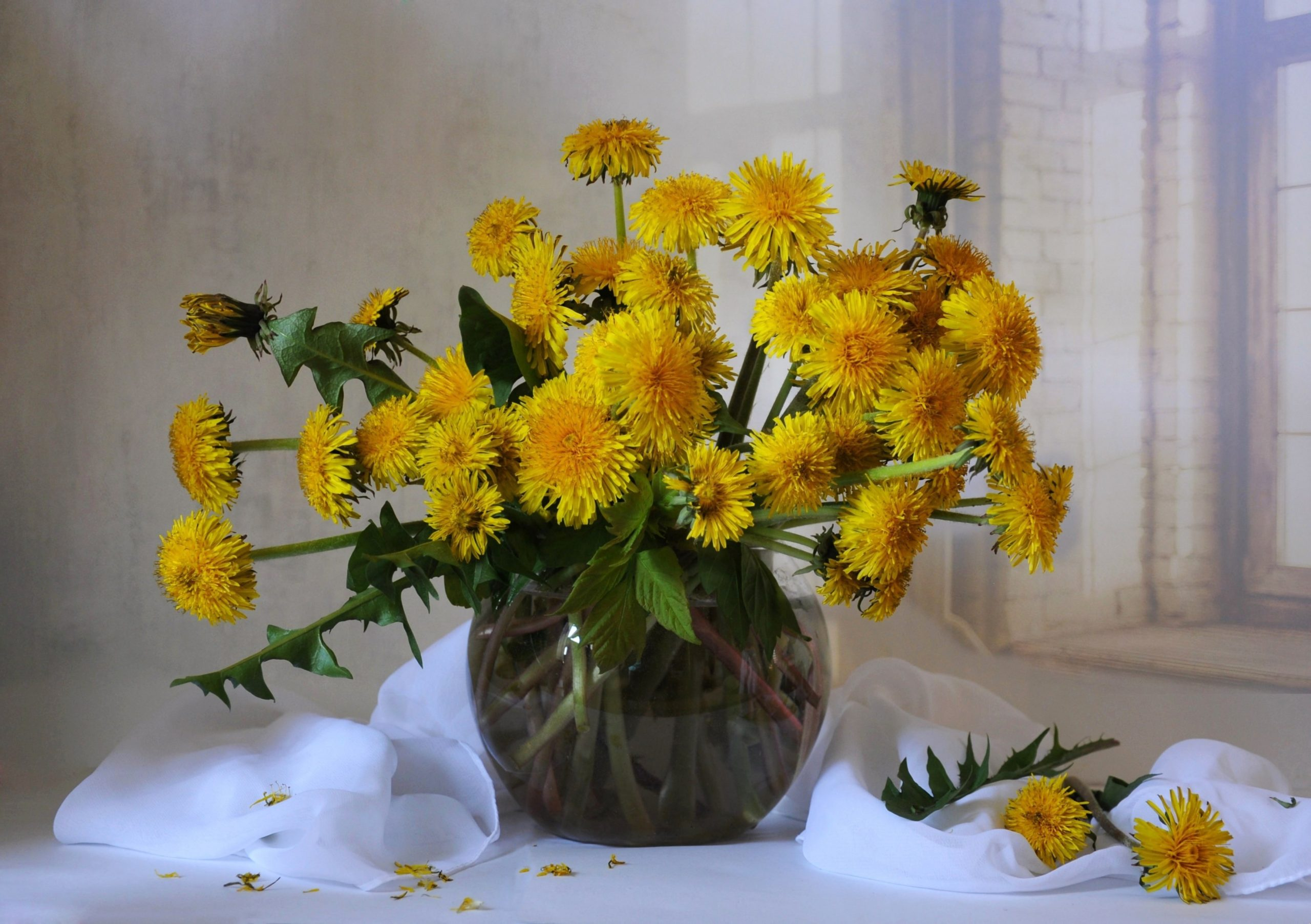 How to Make a Flower Crown with Dandelions