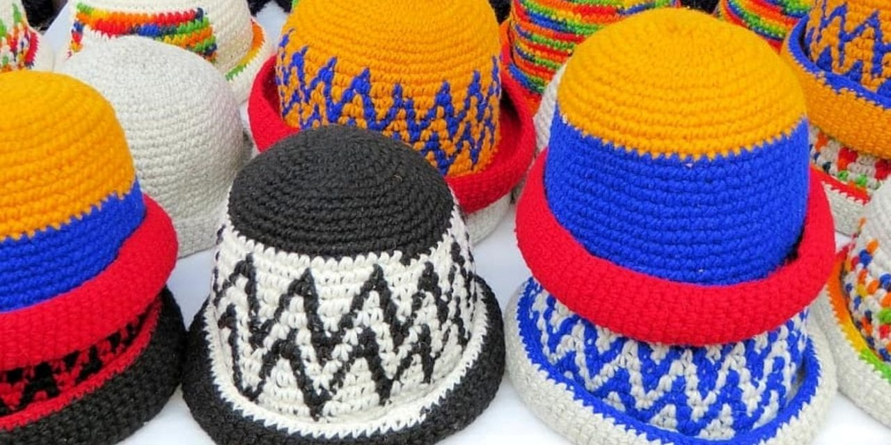 How to Finish Knitting a Hat on a Loom