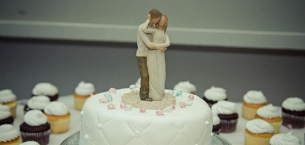 how to make cake topper without cricut