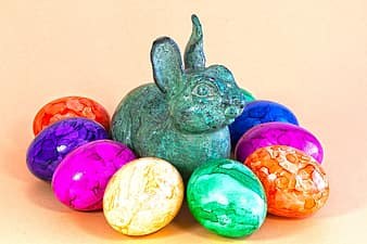 How to Make Camouflage Easter Eggs