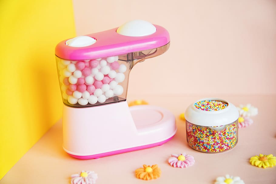 How to Make A Working Gumball Machine2