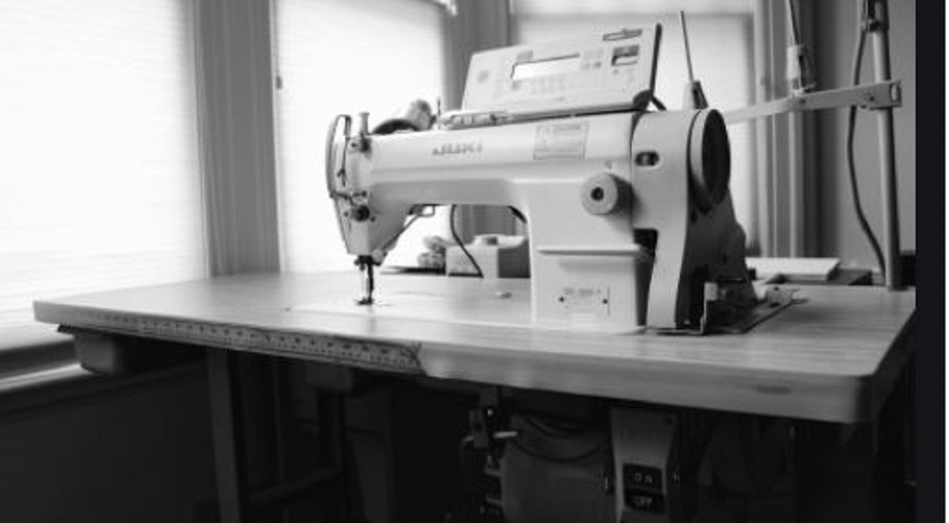 How to Take Apart a Husqvarna Sewing Machine