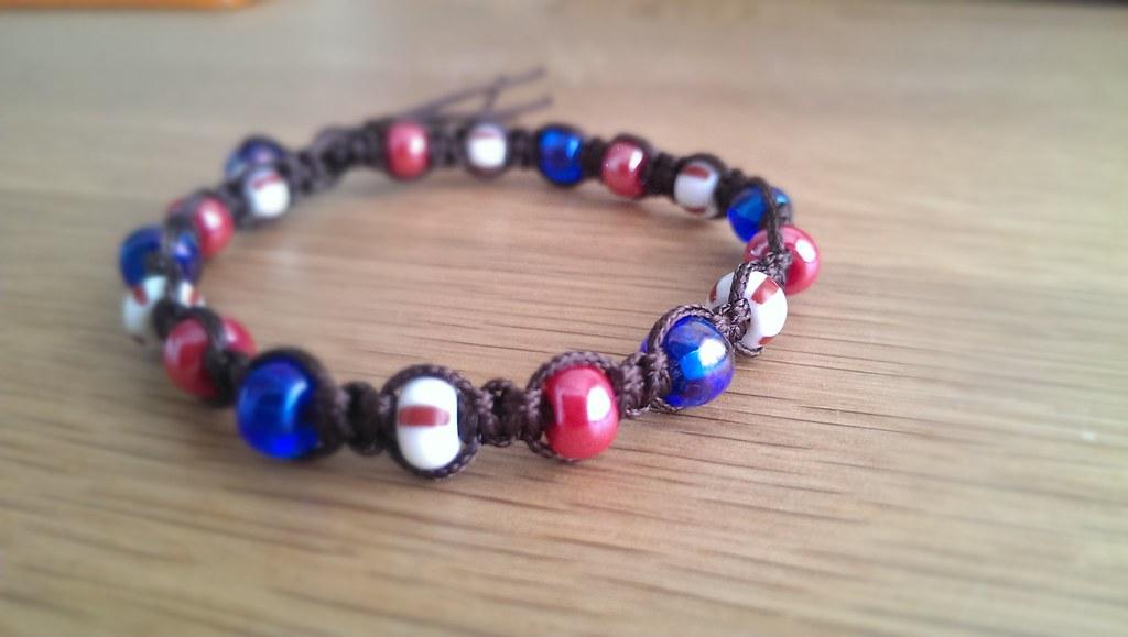 How to Tie Knots Between Beads - 2