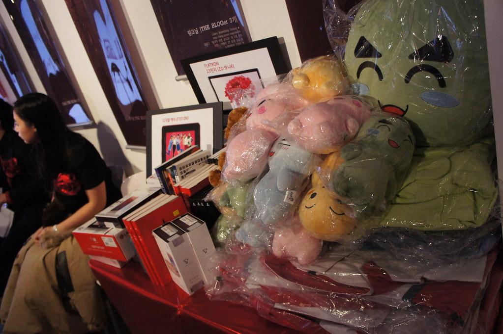How to Wrap Stuffed Animals