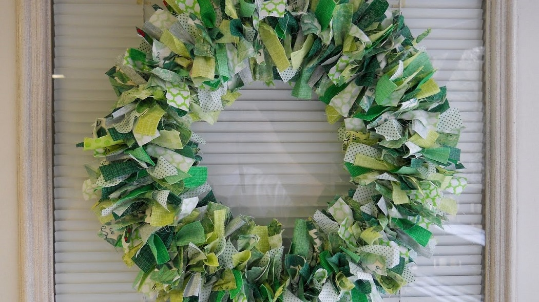 How to Make St. Patrick's Wreath