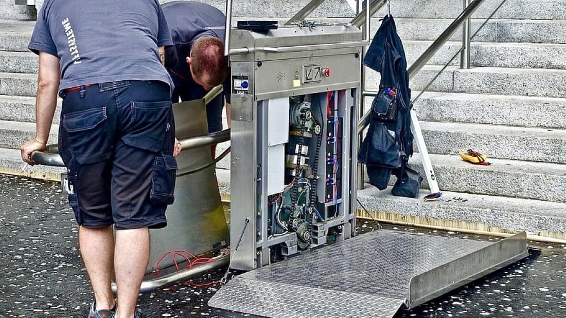 how to service a heat pump