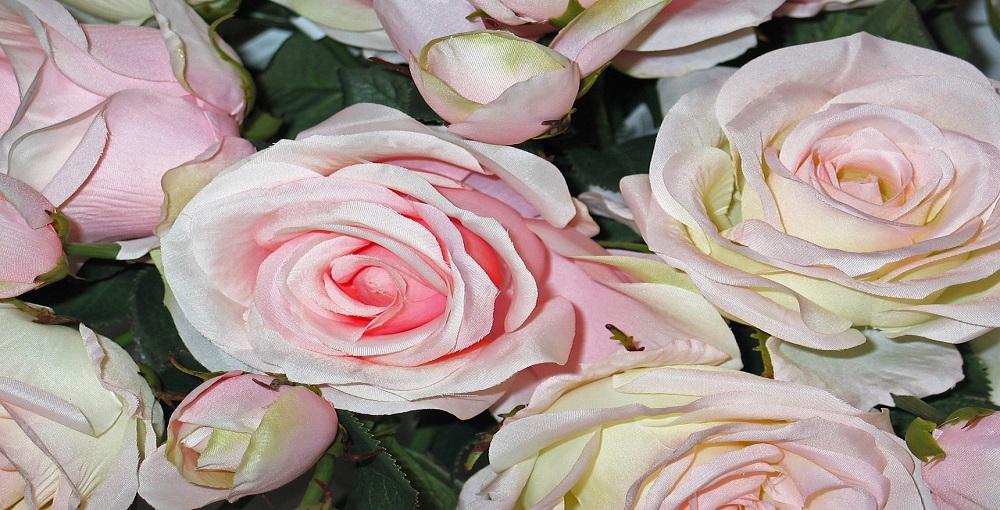 How to Make Fabric Rosebuds