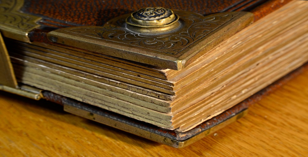 How to Make a Wooden Photo Album