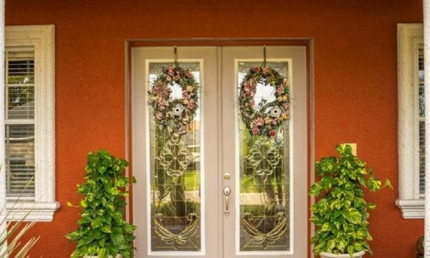 How to Hang a Wreath on a Screen Door