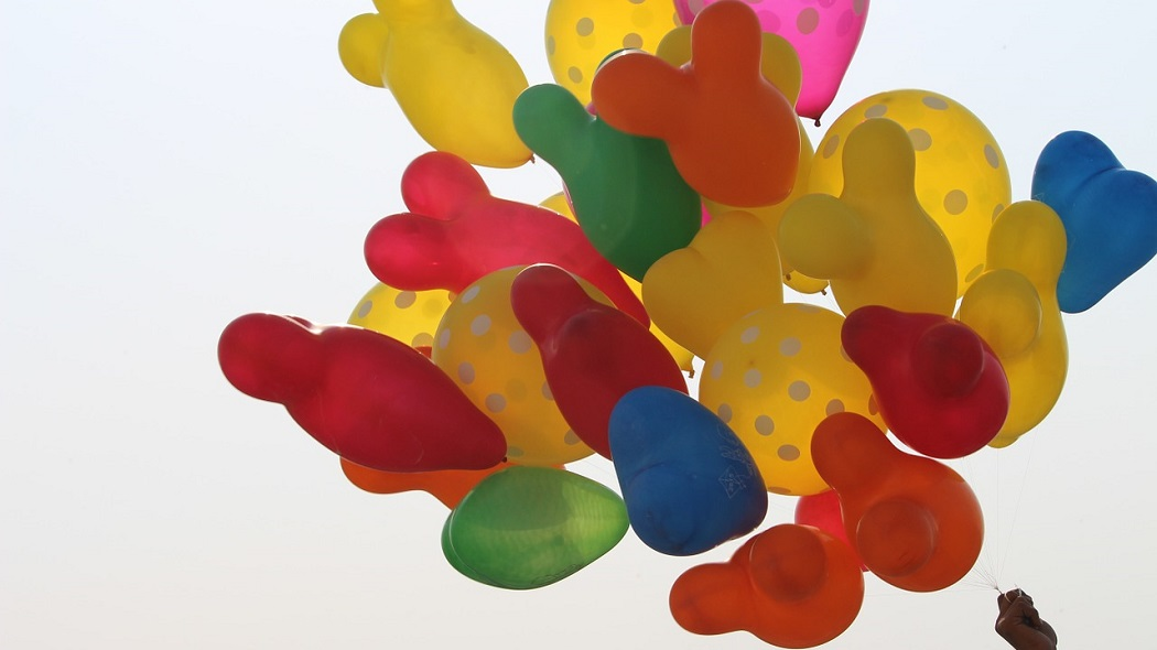 How to Make Balloons Float without Using Helium