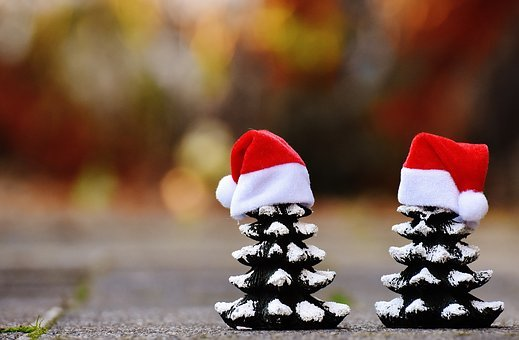 What could be the best winter decoration without anything any snowman? If you have a mini snowman, you need to make a hat for it as well. Here we are going to tell you how to make mini snowman hats in the simplest way.