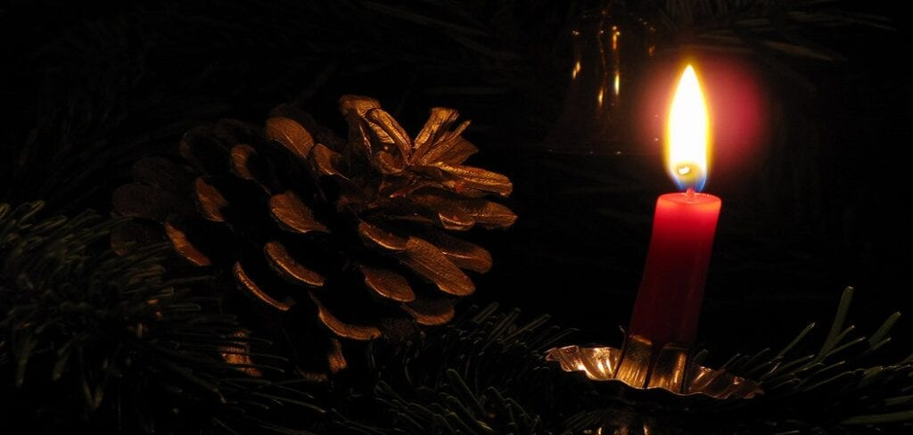 How To Make Pinecone Candles