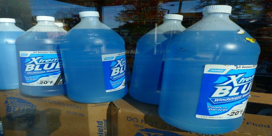 windshield wipe fluid