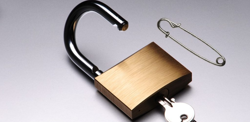 How to Pick a Brinks Lock With a Bobby Pin