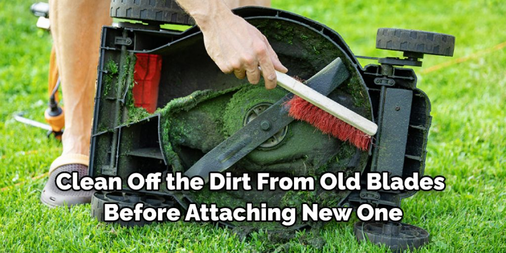 How to Clean a Manual Lawnmower