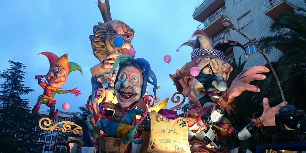 How to Make Large Paper Mache Sculptures