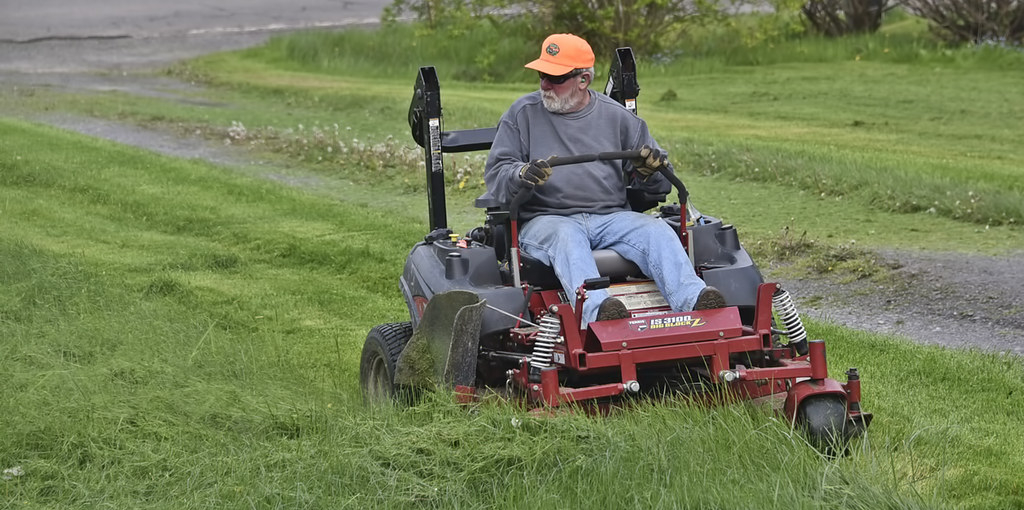 How to Make My Riding Lawn Mower Go Faster