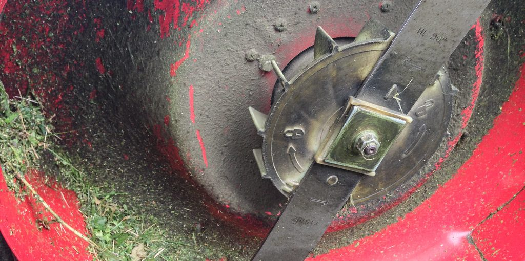 How to Sharpen Manual Lawn Mower Blades Without Removing