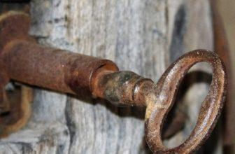 How to Unlock Bedroom Door With Hole