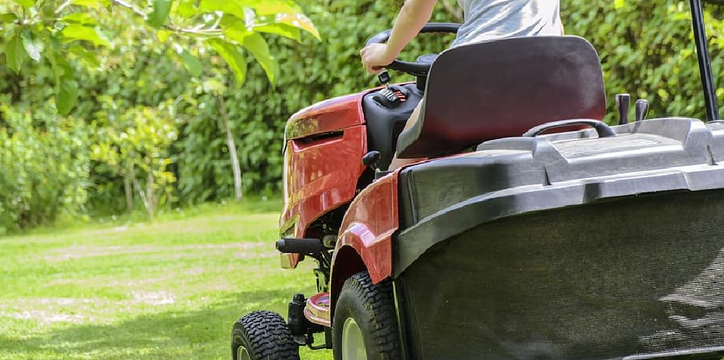 How to Wire a Charging System on a Lawn Mower