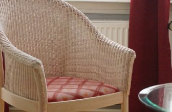 How to Remove Paint From Lloyd Loom Chair