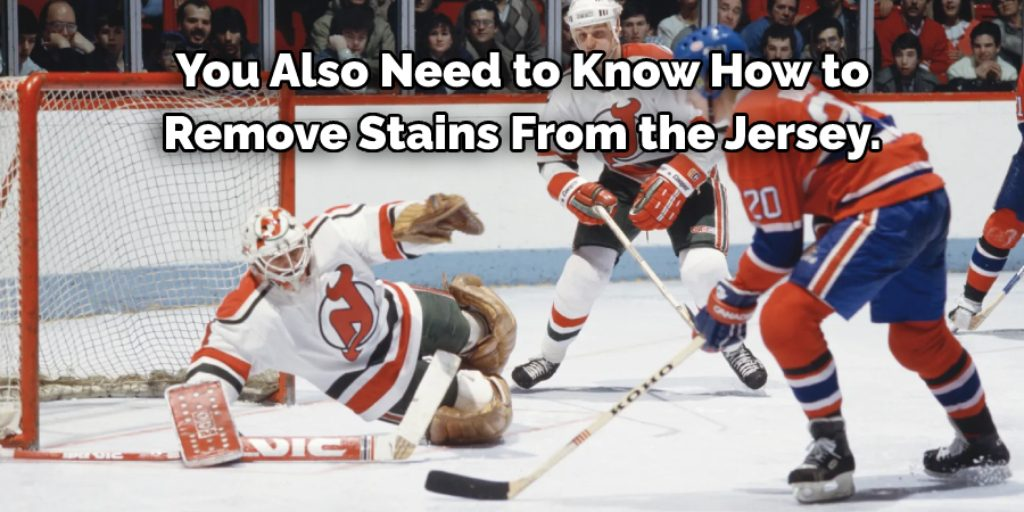 What to Do with the Stains to Wash a Hockey Jersey