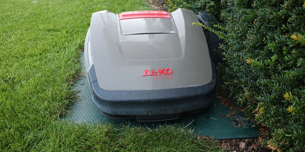 How to Store a Lawn Mower in Garage