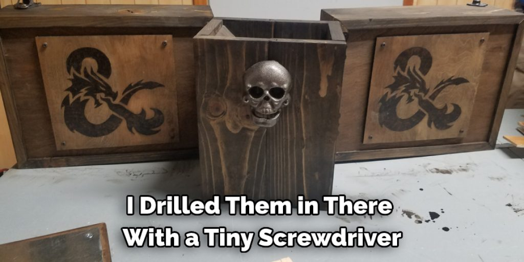 Instructions to Make a Wooden Dm Screen